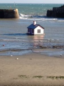 Pink House in Harbour exclamation mark!